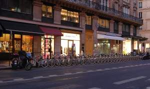 A Velib station in Paris. Photo via Wiki Images.