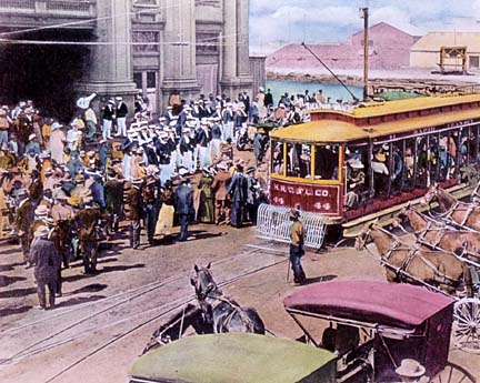 Honolulu once abounded with streetcars. Now, public transportation is in strong demand across Hawaii. Photo: Honolulu Star-Bulletin Archives